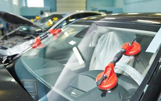 Подробная инструкция замены лобового и заднего стекла автомобиля своими руками