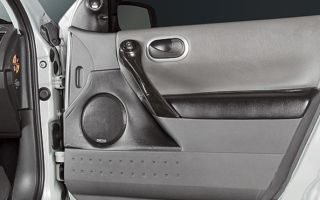 Особенности разборки двери и снятия обшивки на Renault Megane 2