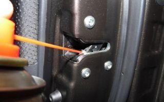 Как устранить скрип двери при открывании