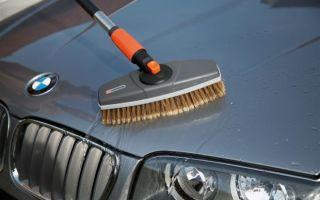 Что выбрать для мытья автомобиля: щетка, губка или тряпка