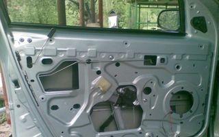 Пошаговая инструкция по снятию и ремонту замка двери Renault Logan
