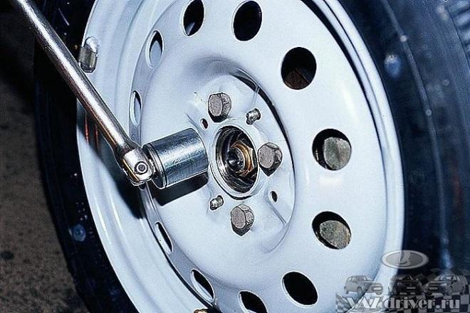 снятие передних колес