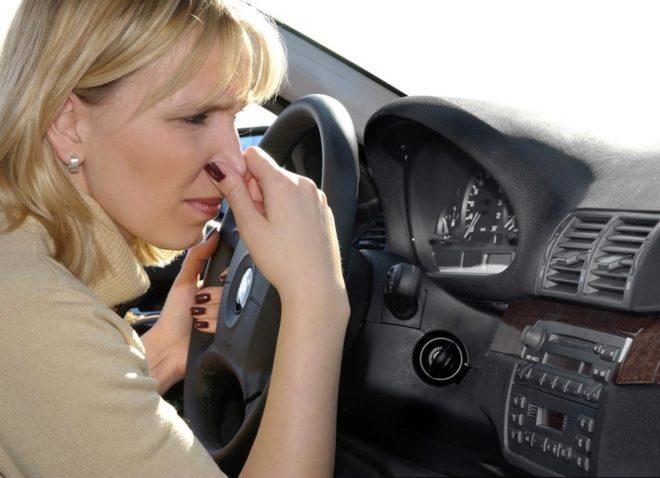 запах тосола в салоне автомобиля