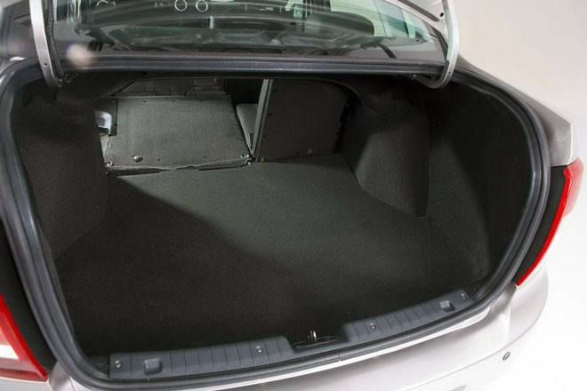 багажник-седан-гранта