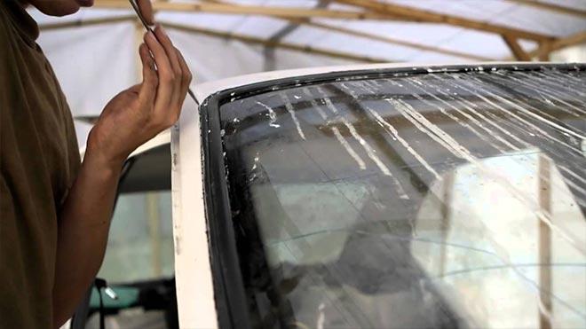 Potsess germetizatsii stekla - Течет лобовое стекло на ниве