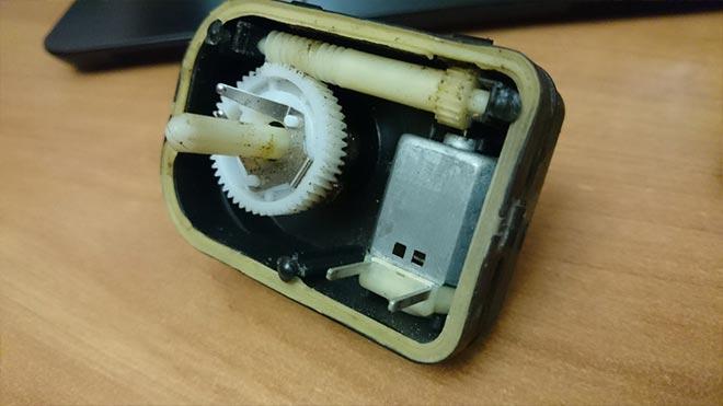 Механический корректор оптики