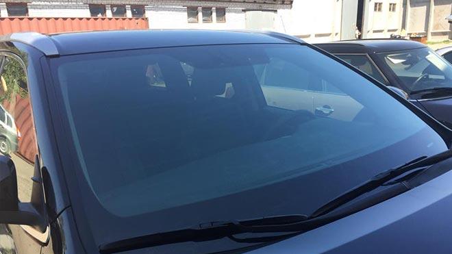 Отличное состояние переднего окна