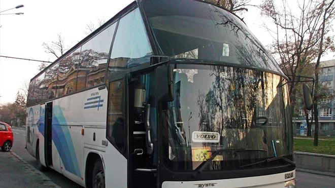 Большое переднее окно автобуса