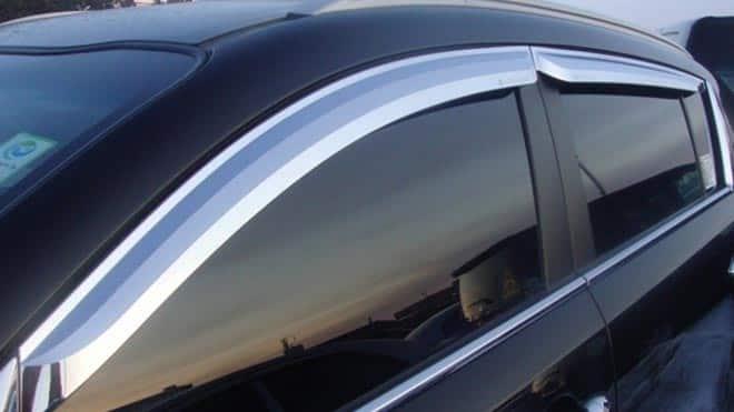 Тонированные окна автомобиля