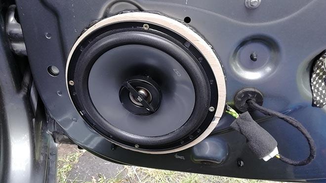 Звуковое устройство в двери