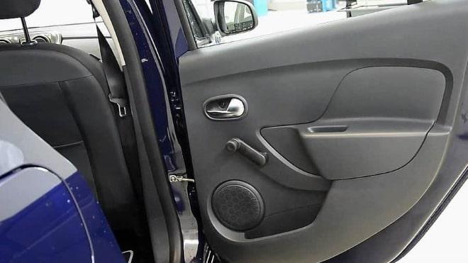 Дверь авто